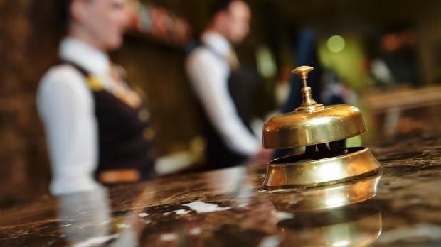 hotel-bell-customer-service-ss-1920